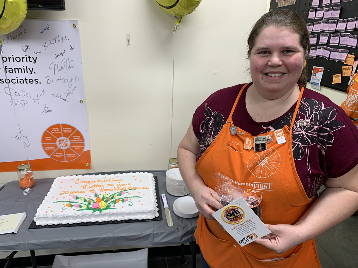 Celebrating Heather's 20 years with the Home Depot. Congrats lady!!! @THDWoodhaven #Anniversary20years<br>http://pic.twitter.com/YAUQi4j9Df