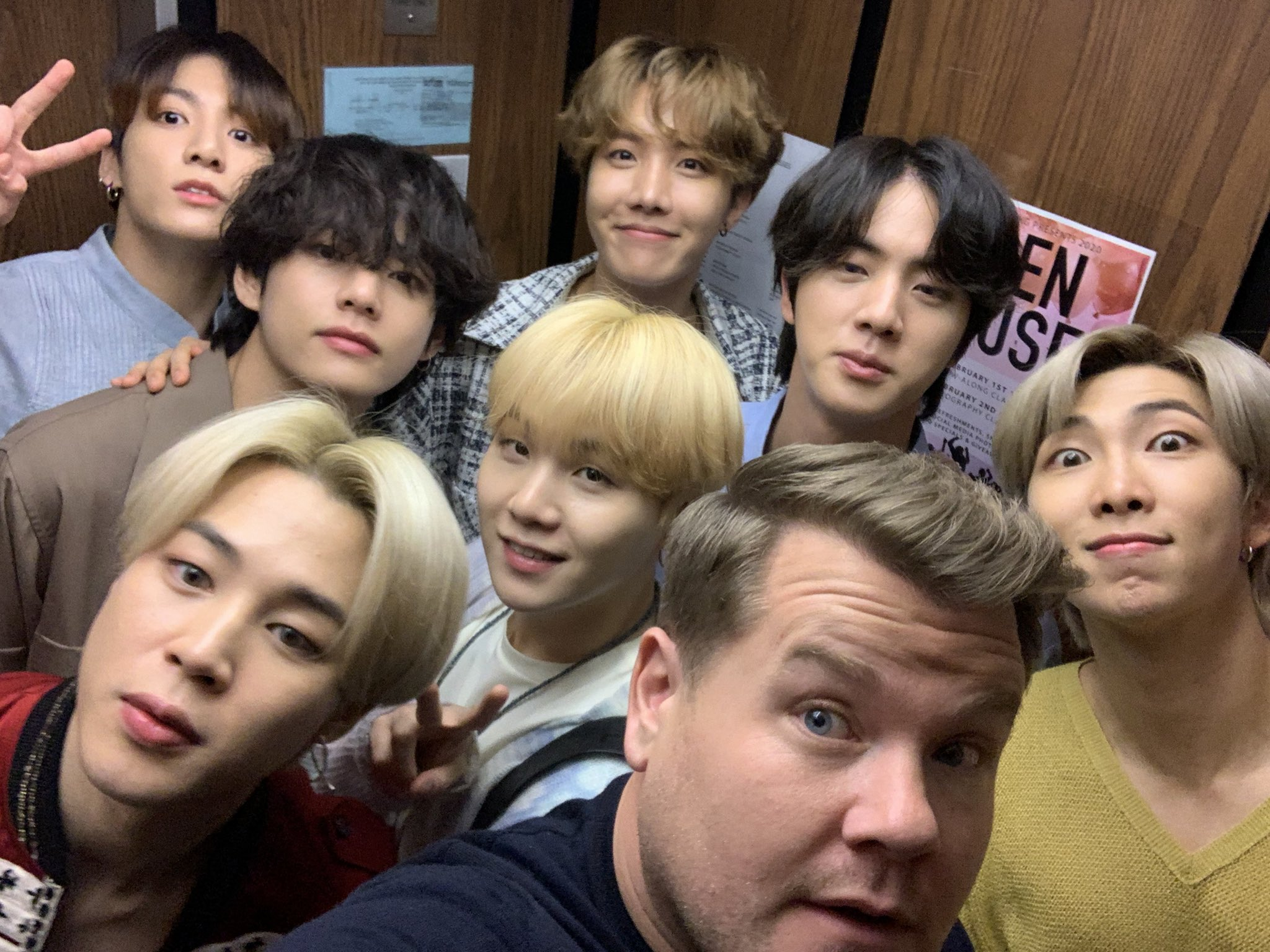 BTS Menampilkan Black Swan Secara Live Pertama Kali di TV Show Terkenal Amerika Serikat The Late Late Show with James Corden © The Late Late Show with James Corden/CBS