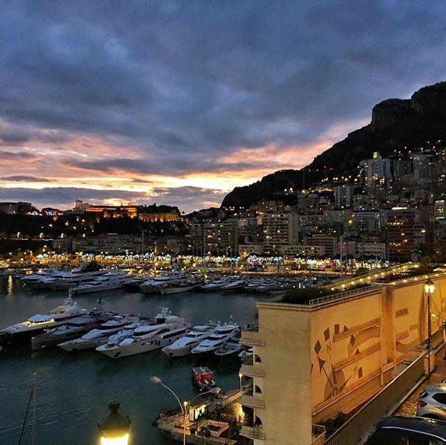 Oh take me back to #adventures and travel. #WanderlustIsCalling . . . #wanderlust #Monaco #MonteCarlo #sunset #chasinglight #harbor #port #luxury #yacht #europe #Euro #principality #F1 #Formula1 #grandprix #GranTurismo #GTSport #GTChamp #FIAGTC @lewisham… https://ift.tt/2uE30uXpic.twitter.com/fQTd2gARDe