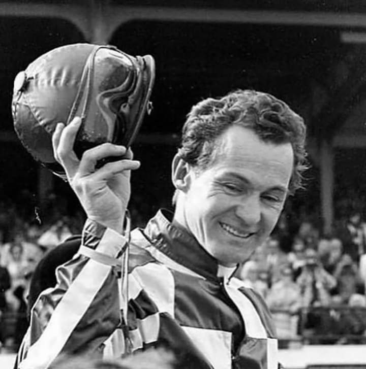 From an unemployed 18-year-old roofer, RON TURCOTTE caught the racing bug after watching the Kentucky Derby on television. He graduated to riding, with his first winner at Fort Erie in 1962...11 years later, he partnered Secretariat to an unforgettable Triple Crown sweep. <br>http://pic.twitter.com/LF67YCDYwx