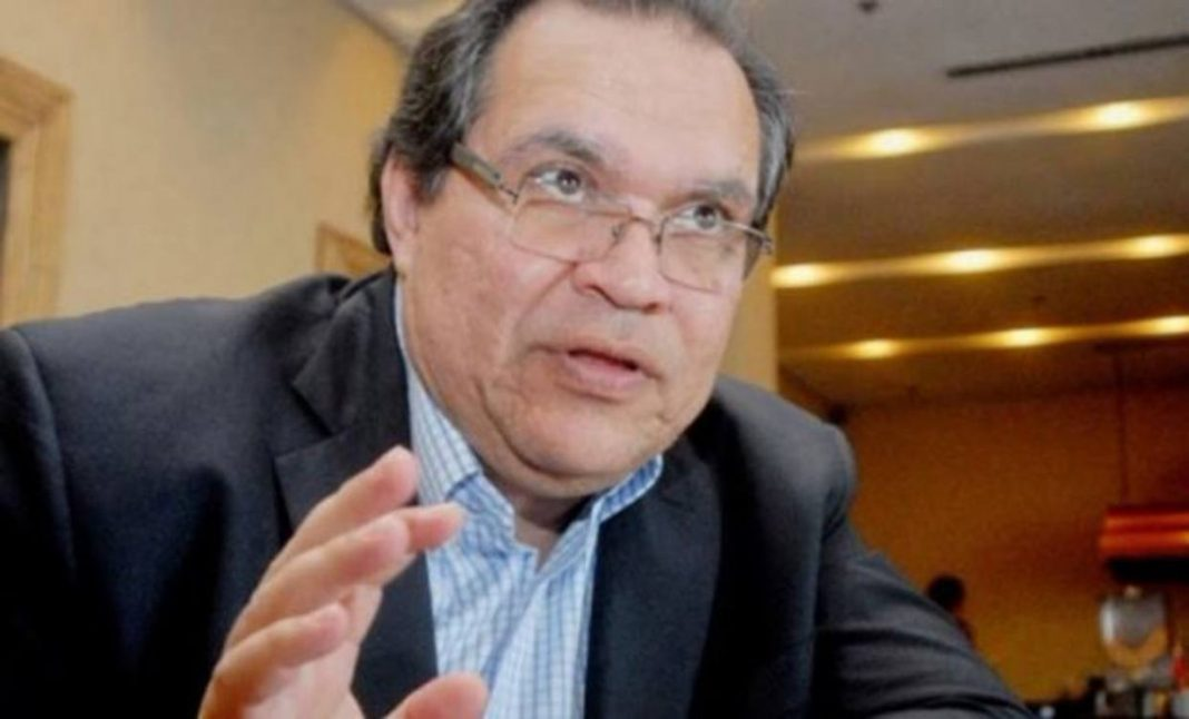 """#28Ene Para el economista Leonardo Buniak """"tener dólares no es símbolo de prosperidad ni bienestar, hace falta un plan de estabilización"""" http://bit.ly/30Y9nWbpic.twitter.com/mX3V6WaEFl"""