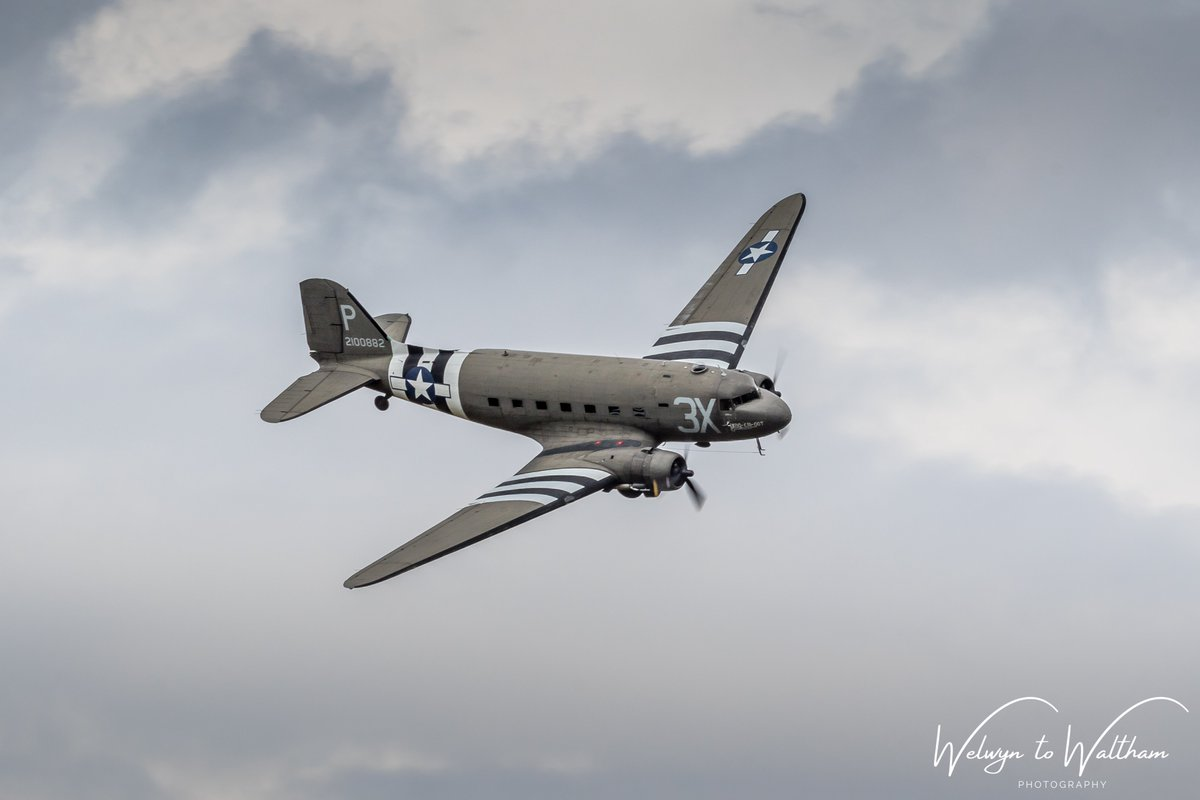 C-47 Skytrain 'Drag 'Em Oot' at Headcorn last July @AeroLegendsUK @C47SKYTRAIN #AvGeek  #dakota #daksovernormandy #daks https://t.co/lYqlqvrQ4K