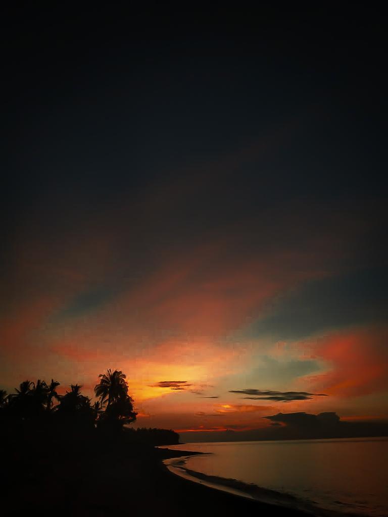 Calm, i dont give a pak  #sunset  #sunsetphotography #LOMBOKpic.twitter.com/qpCto8wWsR