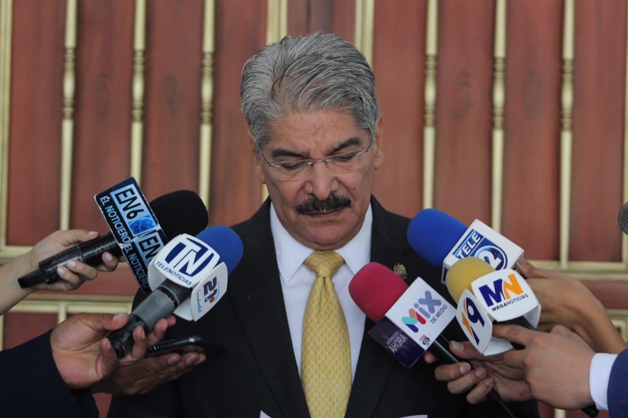 Norman Quijano dispuesto a enfrentar antejuicio y proceso de FGR