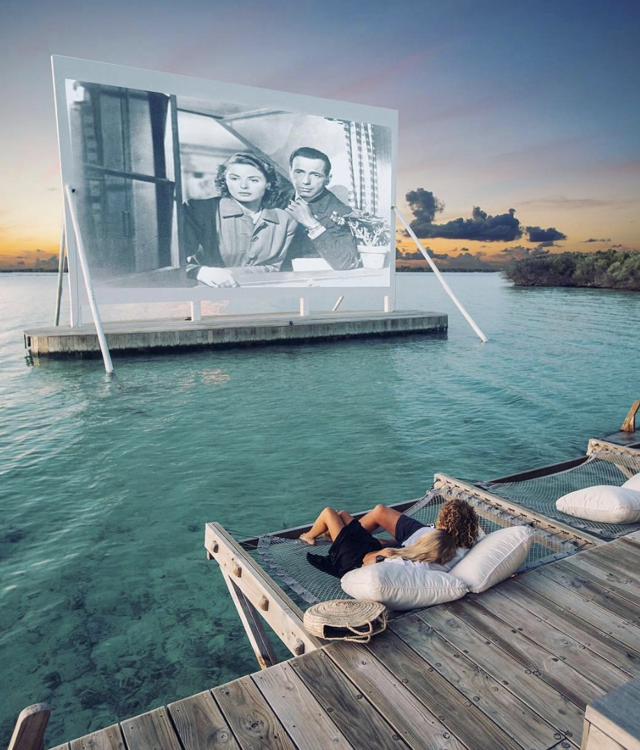 Movie Date Idea? Only in Maldives.  . #VacationSpot #WorkHardVacationHarder #MovieDate pic.twitter.com/XP7lQQ57l3