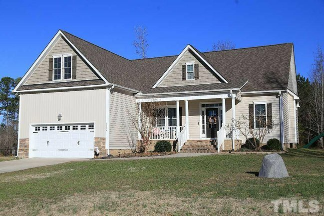 #OPENHOUSE at 1134 COUNTRY CLUB LANE! Visit https://ift.tt/2QHgFdt  for date/time & property details. Call/text 919-812-1156 to schedule a showing. pic.twitter.com/sMtAgCFU5Z