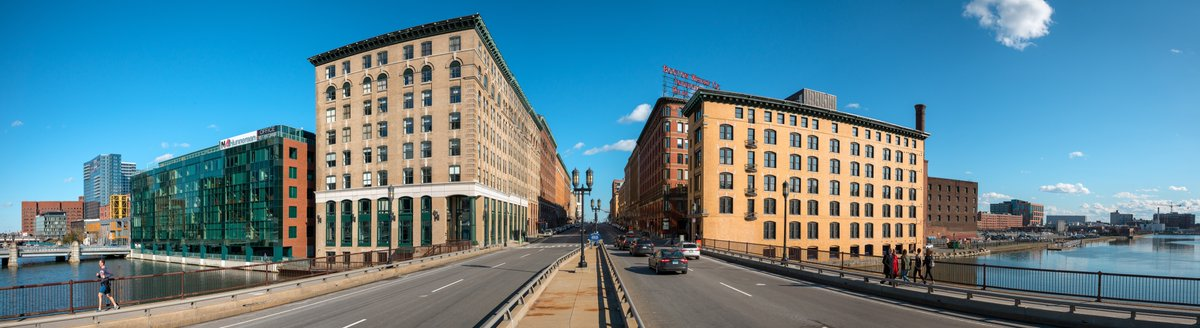 SYNERGY HISTORY LESSON - Fort Point Channel was originally built up in the 1830s and named after the fort of battery cannons that had once protected Boston's inner harbor during colonial times #boston #bostonhistory #fortpoint #253SummerStreet #27MelcherStreet  @davegreaneypic.twitter.com/5AYhDhVPyo