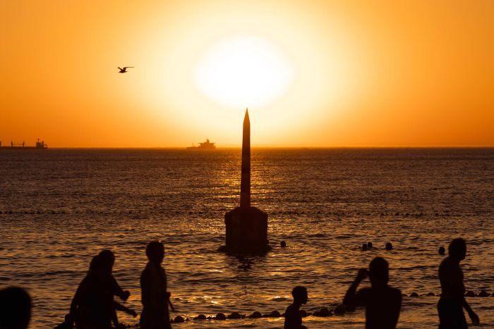 Keep cool peeps its a hot week 😎☀️ #sunshine #realestate #summer #beach #cool  https://t.co/XFGbw2zPIe https://t.co/UKelkk5DNh