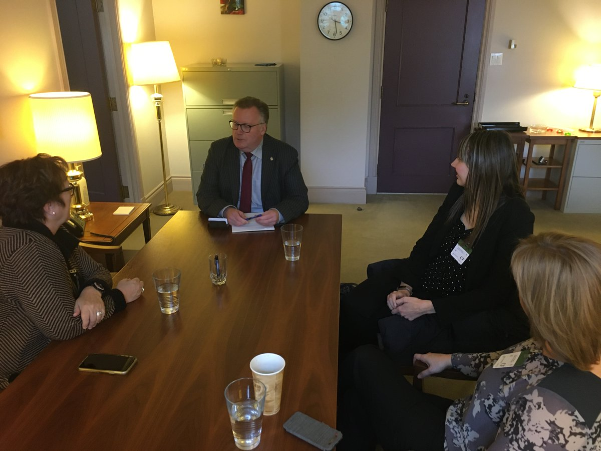 A good meeting in #yow with @saskatooniec discussing newcomer and refugee program, coding program courtesy of Innovation, Science and Economic Dev Canada with a focus on robotics.  Kimberly Matheson U of S, Shana Stewart and executive director Janet Uchacz-Hart #skpolipic.twitter.com/boZkp35Y3U