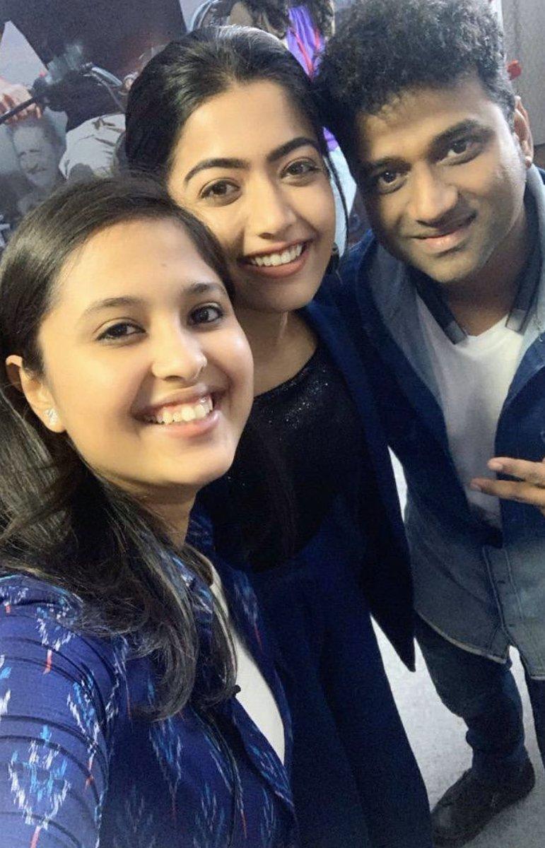 @iamRashmika With @kaumudiofficial & @ThisIsDSP At #SixthSense Show!!  #RashmikaMandanna #RashmikaFollowers #GodMorningWednesdaypic.twitter.com/EQYNgfV4i6