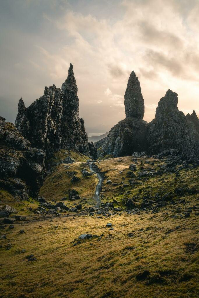 Visited the Isle of Skye and Oldman of Storr (pictured) this weekend and got pure Middle Earth vibes [OC] [1080x1620]  #Beauty
