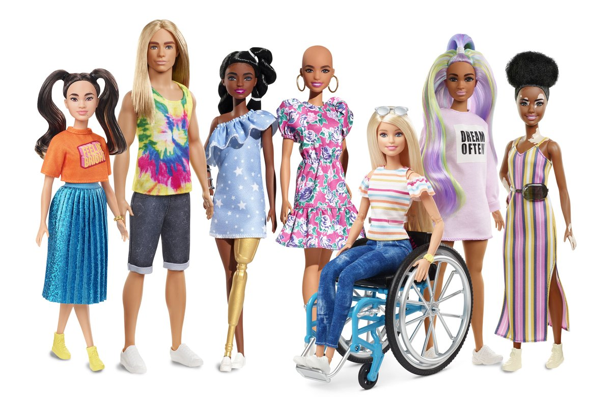 @Mattel amplia la linea di #dolls #Barbie Fashionistas con nuove dolls interpretano una visione del #beauty e #fashion multidimensionale. Lancia Una Barbie senza capelli, con una protesi dorata, una con la Vitiligine e per la prima volta nella collezione un Ken con capelli lunghi