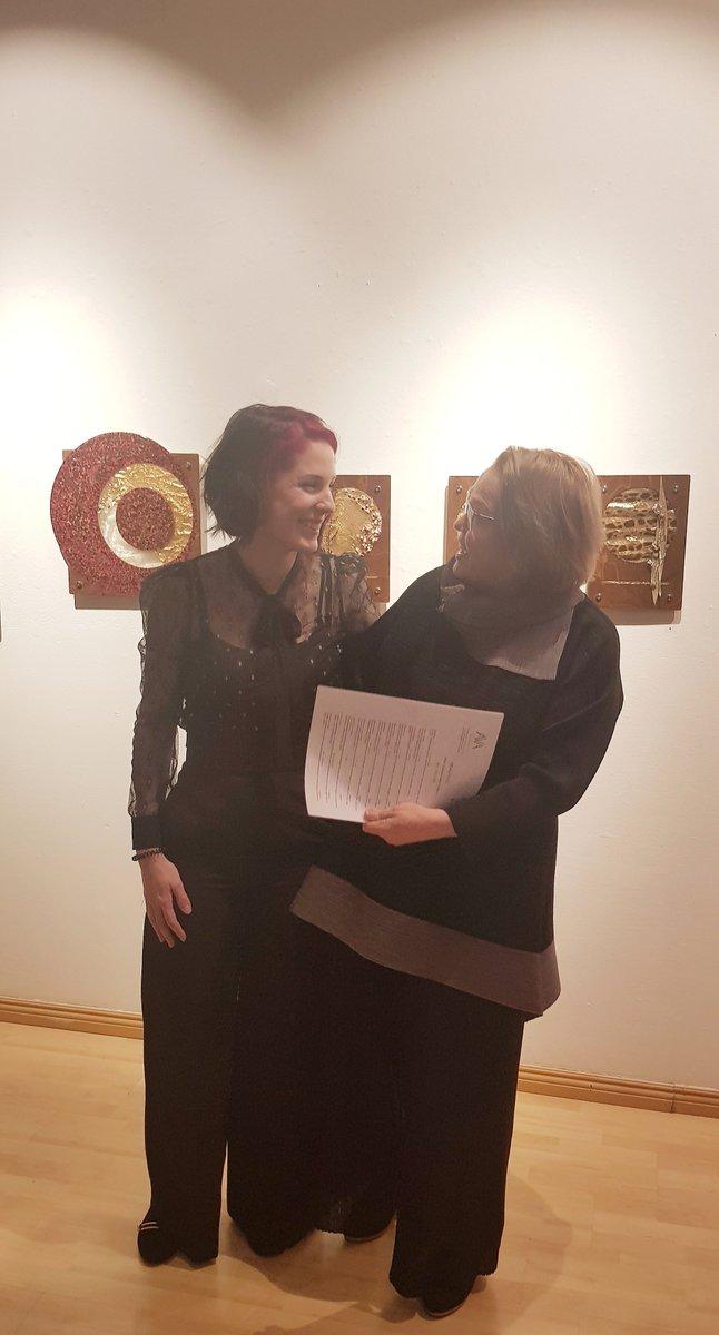 Enchanté de faire la connaissance avec @MDAUTEUILartist et Mme Helena Cardoso à l' Ava Galleria http://avagalleria.com/events/mdauteuil-29-01-16-02-2020/… à Helsinki #bois #nature #verre
