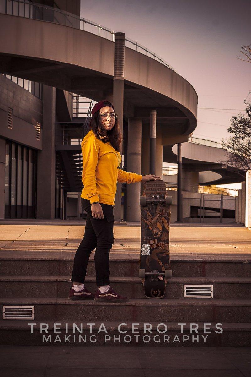 PRIMER #FotografiandoDesconocidos en #Monterrey, muchas gracias @kimyedied chequen su perfil trae cosas interesantes  Gracias Kimy  #treinta_cero_tres #fotografo #photographer #SanLuisPotosí #Mexico #UnFotografoEnMty #Canon #retrato #portrait #fotografiacallejera #urbanphoto pic.twitter.com/WJPWEPRcXk