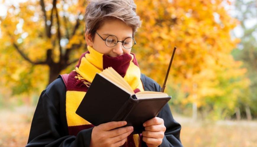 La nuit Harry Potter revient dans certaines librairies de #Caen (#Calvados), le samedi 8 février 2020. Des quiz sur le plus célèbre des apprentis sorciers seront au programme http://bit.ly/37x4HJc #Normandie #Litterature #Loisirs #HarryPotterpic.twitter.com/LioEB1dPzI