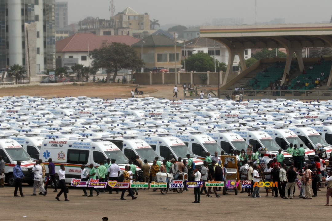 #THEBIGSTORY: Government distributes 307 ambulances in fulfillment of 1 Constituency, 1 Ambulance promise Are Ghanaians happy now? #DaybreakHitz
