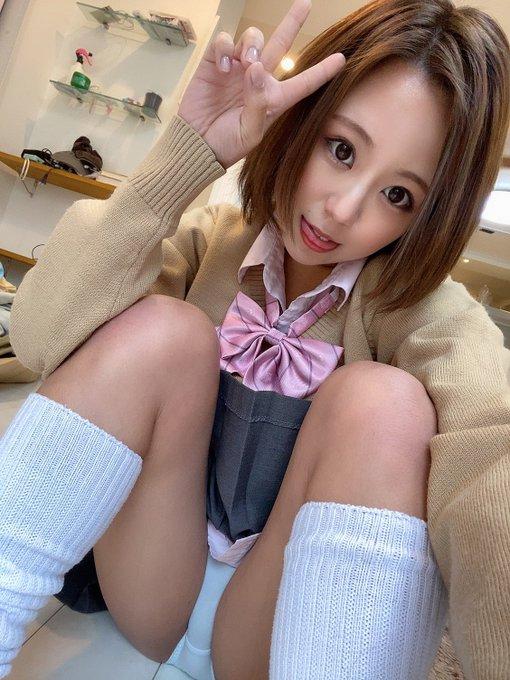 AV女優神谷充希のTwitter自撮りエロ画像44