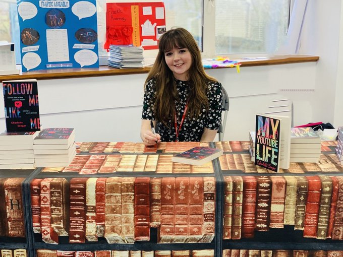 Yesterday @croxleydanes students had a visit from author and @thetimes journalist @CharlotteSeager. Charlotte discussed the impact of social media use and introduced her new novel #followmelikeme https://t.co/p0U1nyEQTC