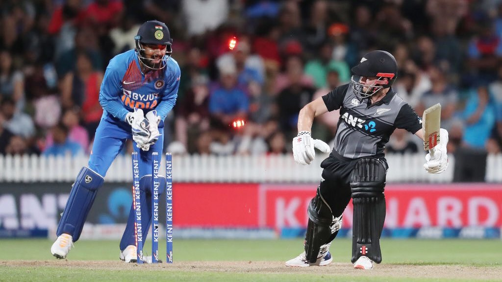 New Zealand face ANOTHER Super over after a thrilling tie against India in the 3rd T20. Scorecard👇 bbc.com/sport/cricket/… #bbccricket #NZvIND