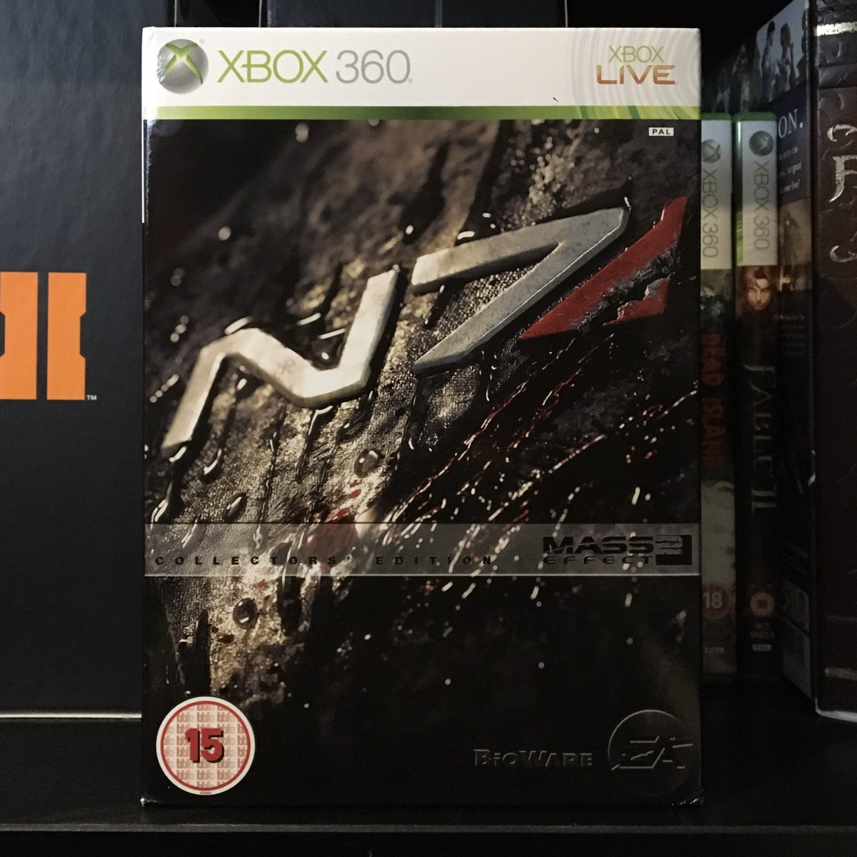 Today marks the 10th anniversary of @BioWare's #MassEffect2 being released in the UK. And what a belter of a game it was too!  #xbox #xbox360 #bioware #electronicarts #ea #boxart #videogames #retrogaming #retrogamerpic.twitter.com/kzeVGx42oP