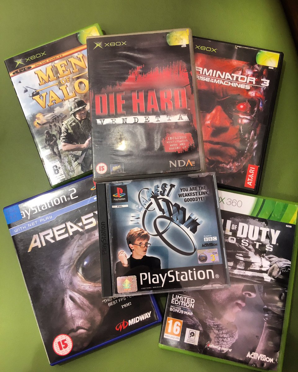 I loved this game pick up in 2019, different consoles, different game types, soo much game time! Which would you must like to play?  #xbox #OriginalXbox #ps2 #playstation2 #Xbox360 #retro #retrogamer #retrogaming #GamersUnite #gamesweloved #PopCulture #gamecollectorpic.twitter.com/jAJIIHnt25
