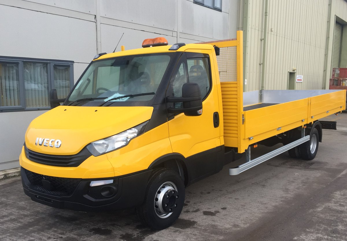 test Twitter Media - 7.2t Iveco Daily Drop sider Lightweight Aluminium drop side body with x 2 Work lights on headboards and Amber flashing beacon on cab.  Body work by MW Hull.  Cab and Body Painted by MW Hull  With thanks to @NETVLtd and @mkmbs https://t.co/oPt9ouKdUS