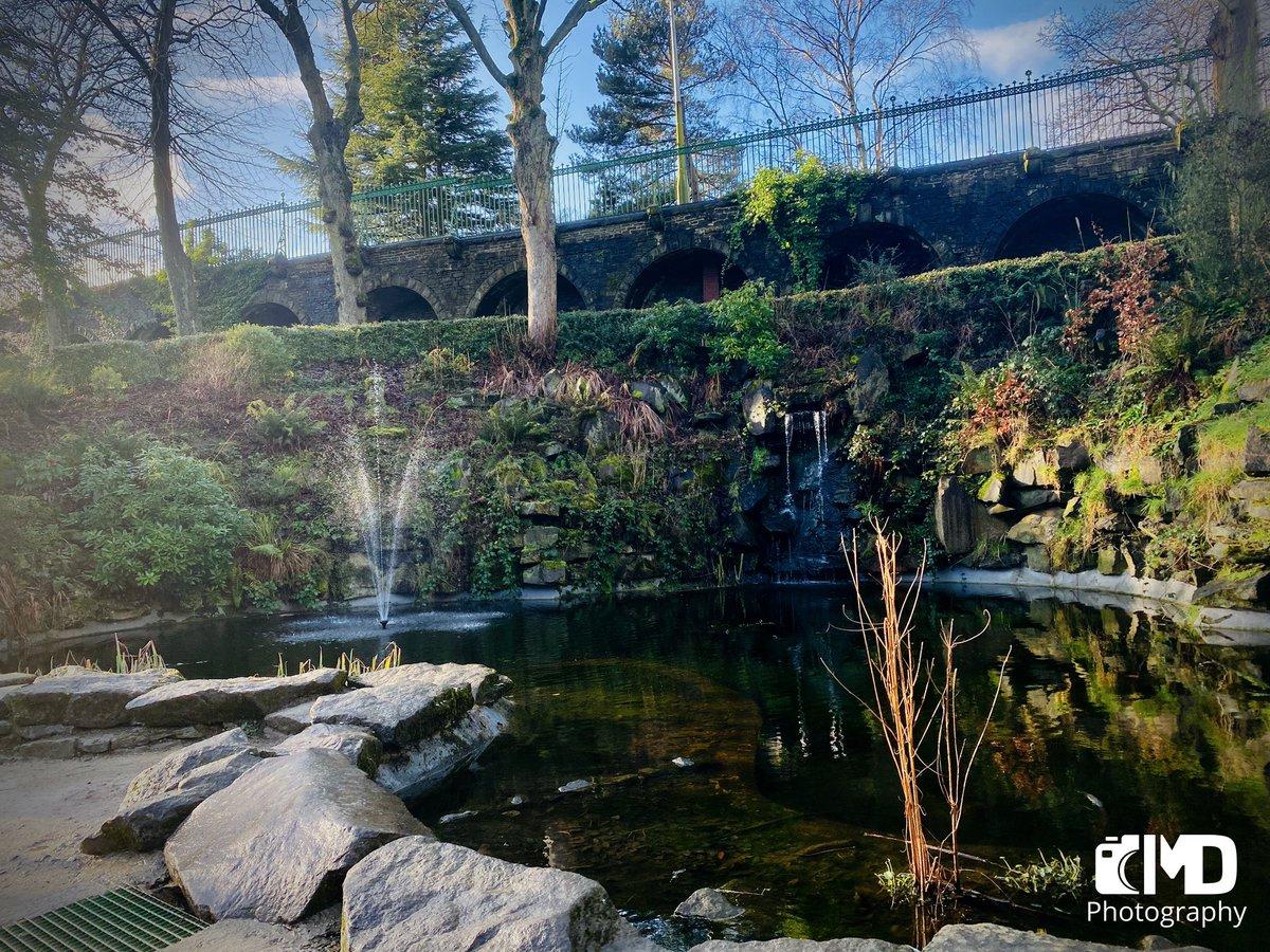FOUNTAIN AT BEAUMONT PARK ⛲️  #beaumontpark #fountain #naturephotography #huddersfield