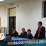 Image for the Tweet beginning: Con tanti ragazzi e compagni