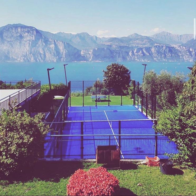 Do you wanna play in this beautiful spot? Lago di Garda (Italy)  #padel #worldpadel #landscape #italy #lagodigarda #padeladdict #padelmania #padelfemenino #padeltime #pádel #padeltennis #instapadel #italia #padelcourt #garda #worldpadelchampionship #wpcpic.twitter.com/j7wRLVEZLI