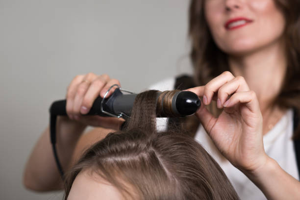 The first curling iron dates back to 1875. It was invented in France by Marcel Grateau.pic.twitter.com/6Gcma0bRwV