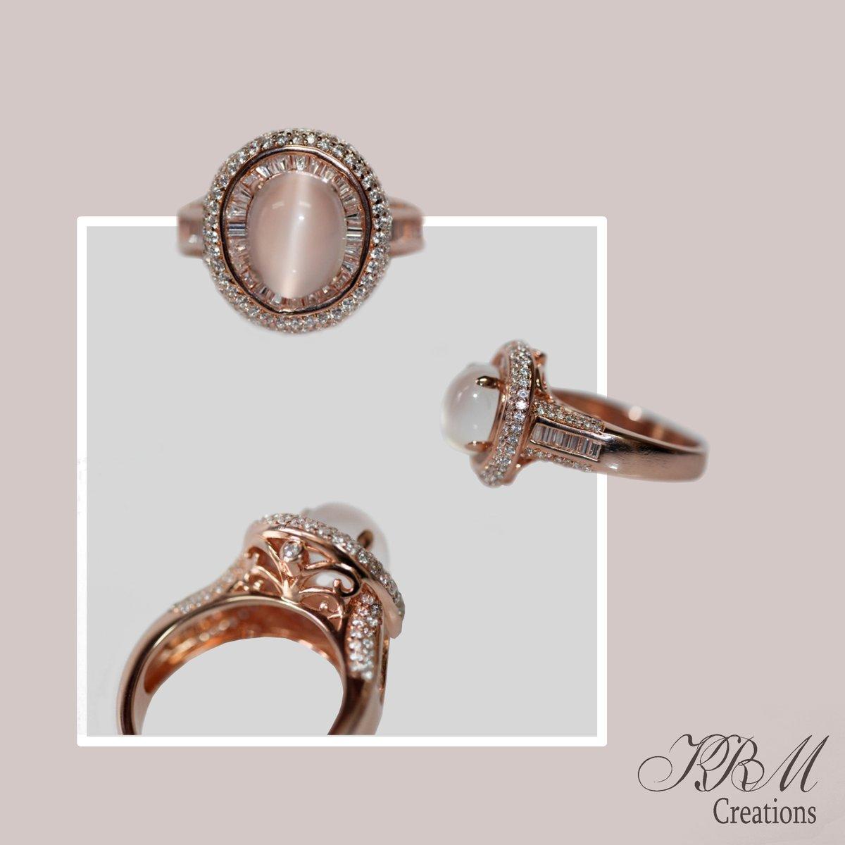 #moonstone #white #topaz #ring #verrmeil #gold #rosegold #peach