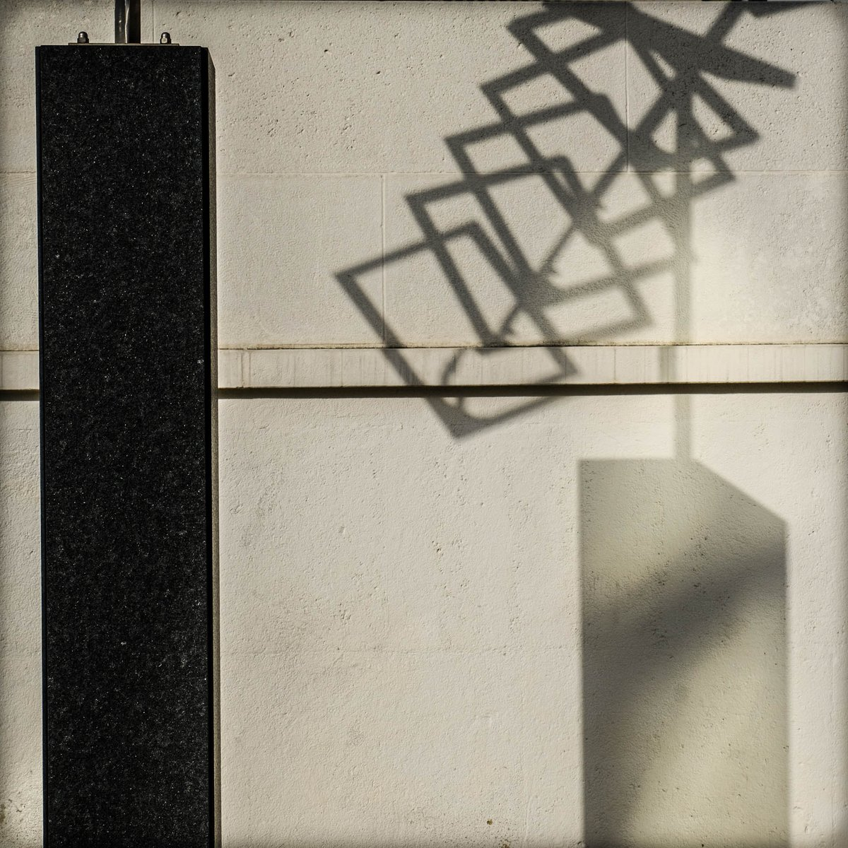 #bobbiandleesphotoadventures with light and shadow in #vienna  #chasinglight #toldwithexposure #minimalist #minimalism #minimal_shots #fujixt3   #velvia  #fujifilm #fujifilmus  #fujifilmx_us #myfujifilmlegacy #artphotography #fineartphotography #ihavethisthingwithshadowspic.twitter.com/US0ILtBTkj