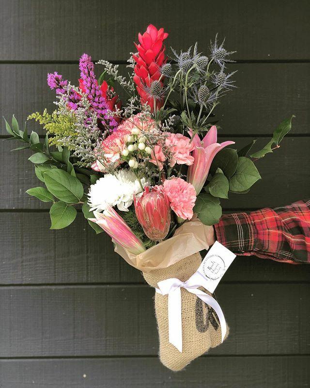 We've got our coffee bag arrangements going out today 💐 . . .  #rootsgatlinburg #gatlinburg #tennessee #smokymountains #florist #cafe #flowercoffeeshop #shoplocal #lattes #dailyflowerarrangements #romanticgiftboxes #giftboxes #giftshop #weddings #bri…