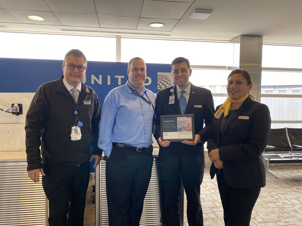 Congratulations Jaimie on representing DCA on the next 787-900 aircraft delivery next month in Seattle. This is well deserved and we appreciate everything you do for the customers. @Auggiie69 @LouFarinaccio @JimSchake #winningthelines
