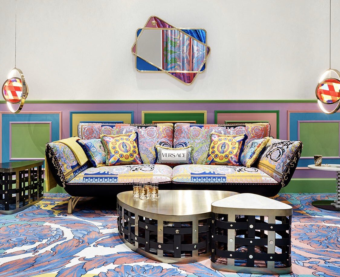 Have you seen the new @Versace #furniture collection? #luxliving #interiordesignpic.twitter.com/AiMgn9AfOz