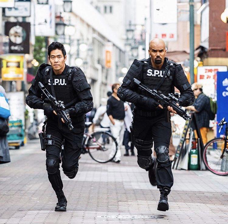 JAPAN EPISODE TONIGHT ON @CBS #SWAT pic.twitter.com/86YxaoXa16