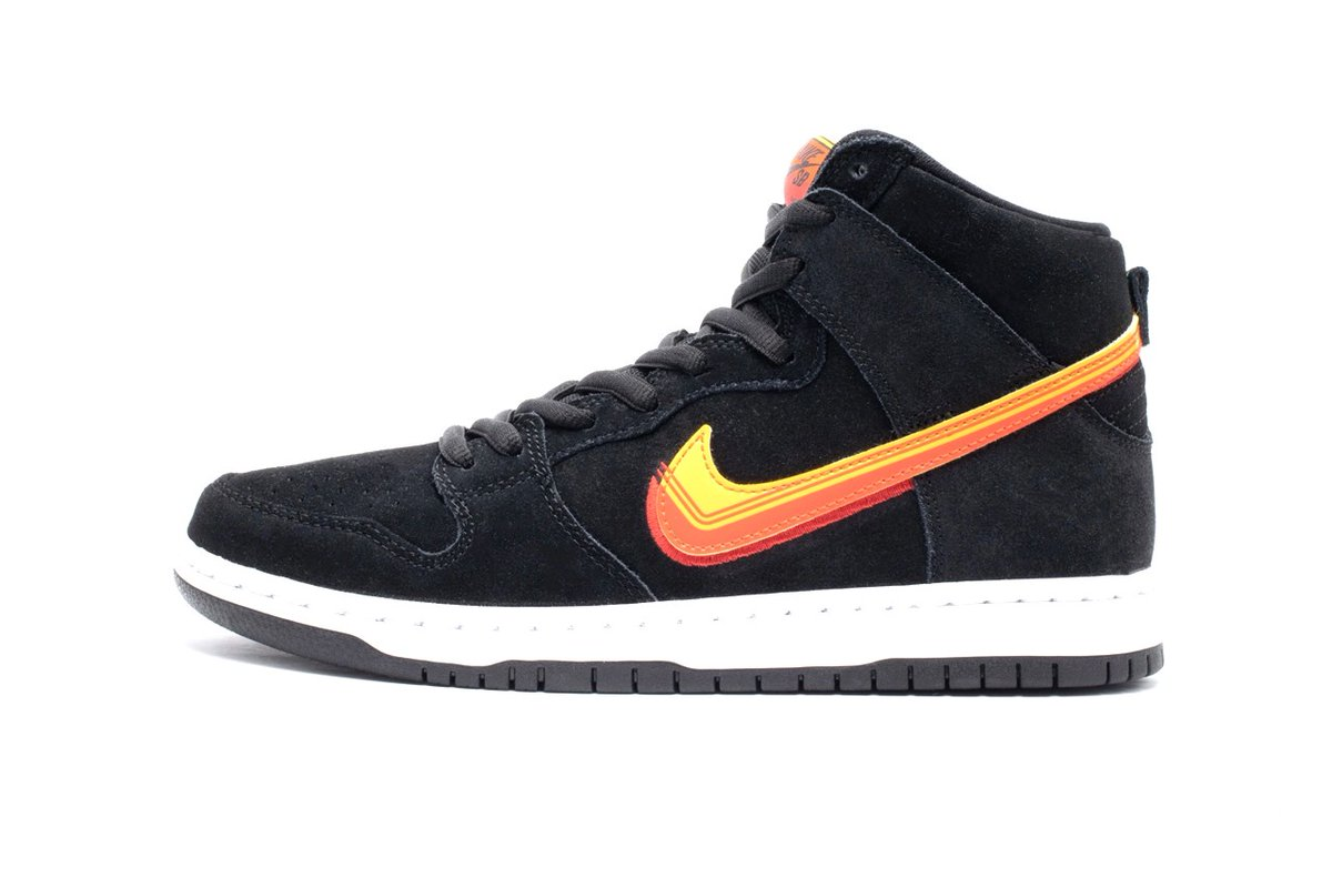 LIVE via Tactics Nike SB Dunk High Pro