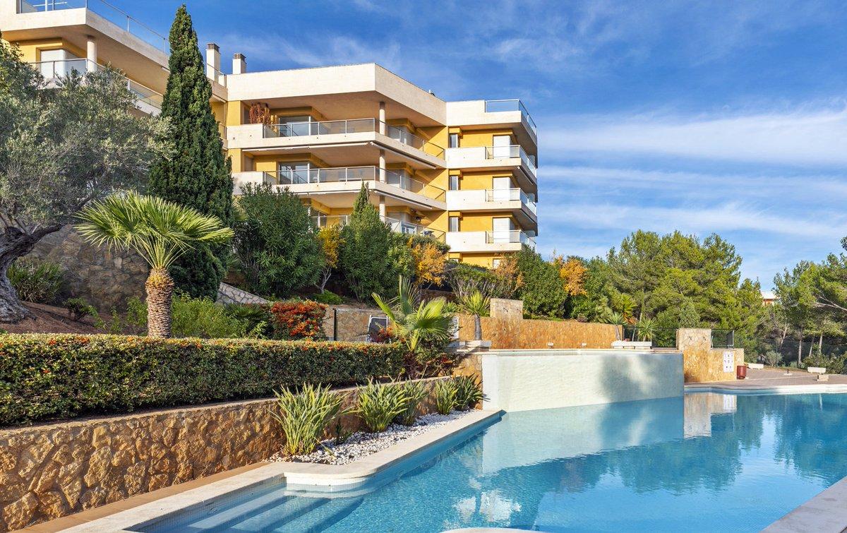 - Wir bringen Sie auf die Insel.  Garten-Appartement in einer gepflegten Anlage in Sol de Mallorca.  Preis :  649.000,-- Euro  https://www.pur-mallorca.com/immo/id-1901-luxus-erdgeschosswohnung-mit-gartenblick/…  #Mallorca #soldemallorca #PURMallorca #appartement #baleares #mallorcalove #propertyforsale #mallorcasouthwestpic.twitter.com/QFR37jUzys