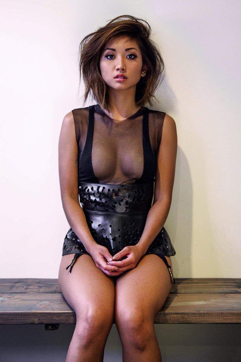 Boobs nude and pussy kim kardashian