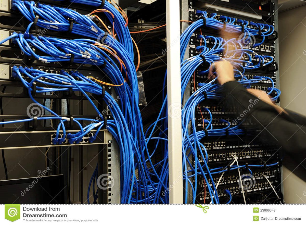 Mike trying to create connections with every breathing female in the villa #LoveIsland