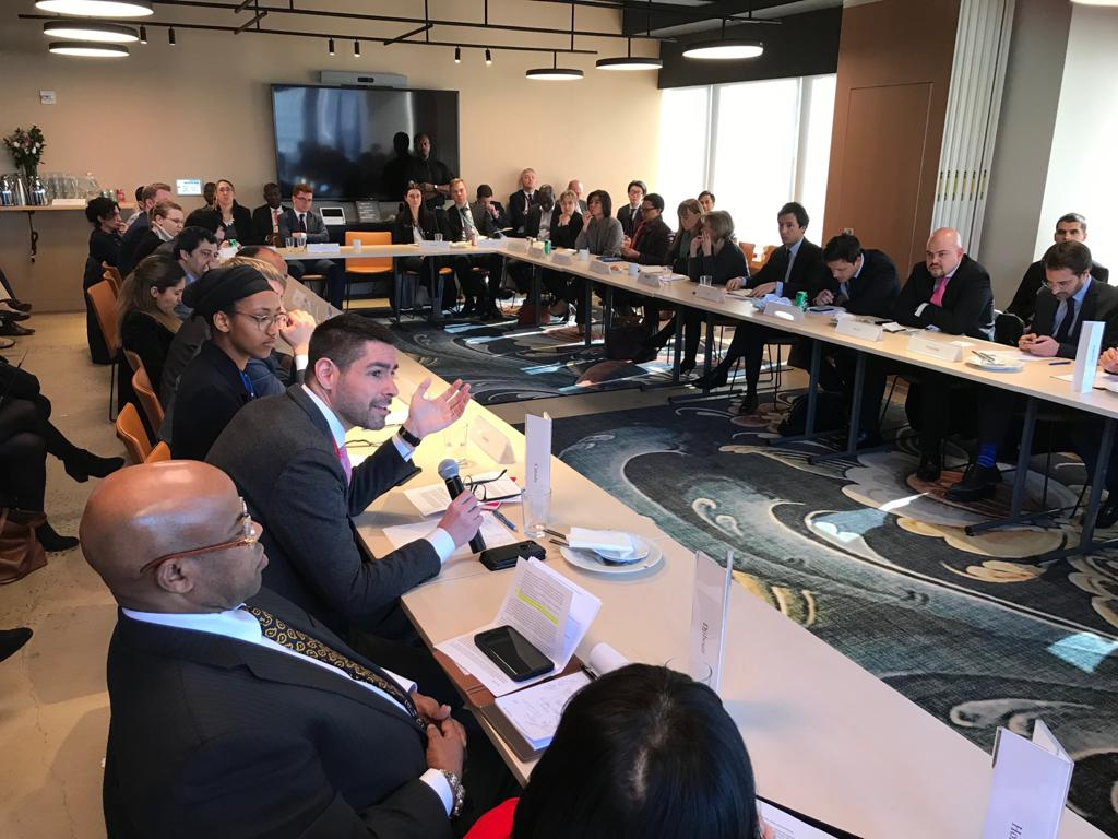 Merci à 🇳🇴 d'avoir accueilli la réunion d'ajd. sur le Groupe de haut niveau de l'ONU sur le #DéplacementInterne avec @GeorgeOkothObbo.  L'amb. Arbeiter a souligné l'importance de consulter les communautés concernées lors de l'éval. de leurs besoins et de la recherche de solutions