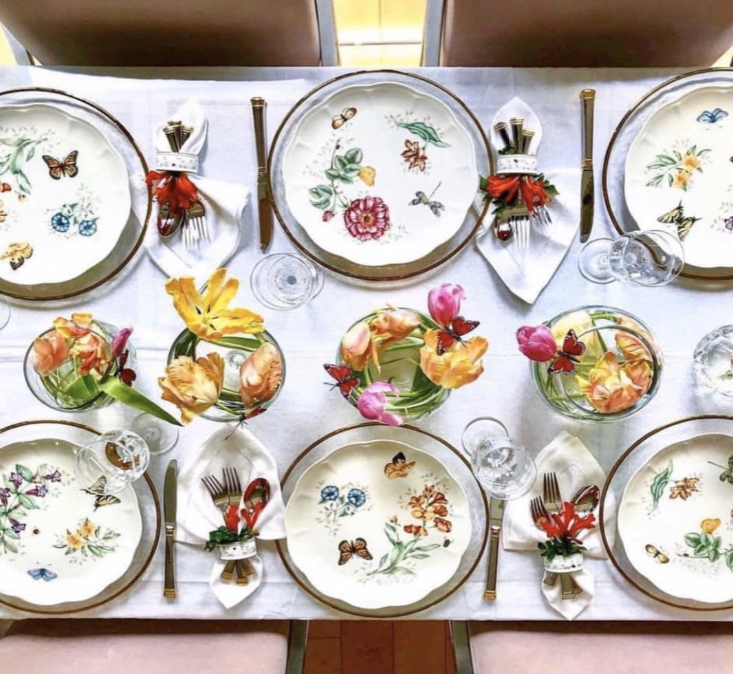"""""""Butterfly Meadow dinner set from Lenox is the perfect complement to your table floral centerpieces."""" #Lenox #butterflymeadow #dinnerset #Jashanmal #Bahrainpic.twitter.com/TkhCIh7KeF"""