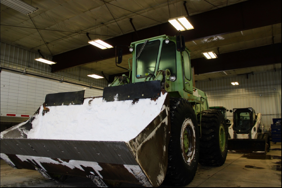 Surprise! More snow for Iowa. But our tractors are ready to push some snow. #winter #bringonthesnow #snow #pushingsnow #snowplowing #snowplow #movingsnow #familyfarming #iowafarming #iowafarm #iowafarmer #agriculture #tractor #tractorporn #chrissoules #chrissoulesbachelor