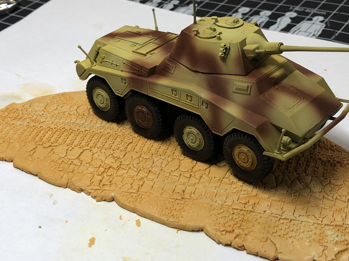 Working on a new base for a tank with the new rolling pin tank tracks. We used milliput and plasteline. Final results soon. @greenstuffworld #diorama #dioramas #hobbycraft #hobbymodel #texturedrollingpin #textureroller #wargames #40kpic.twitter.com/Czkr9ywVQm