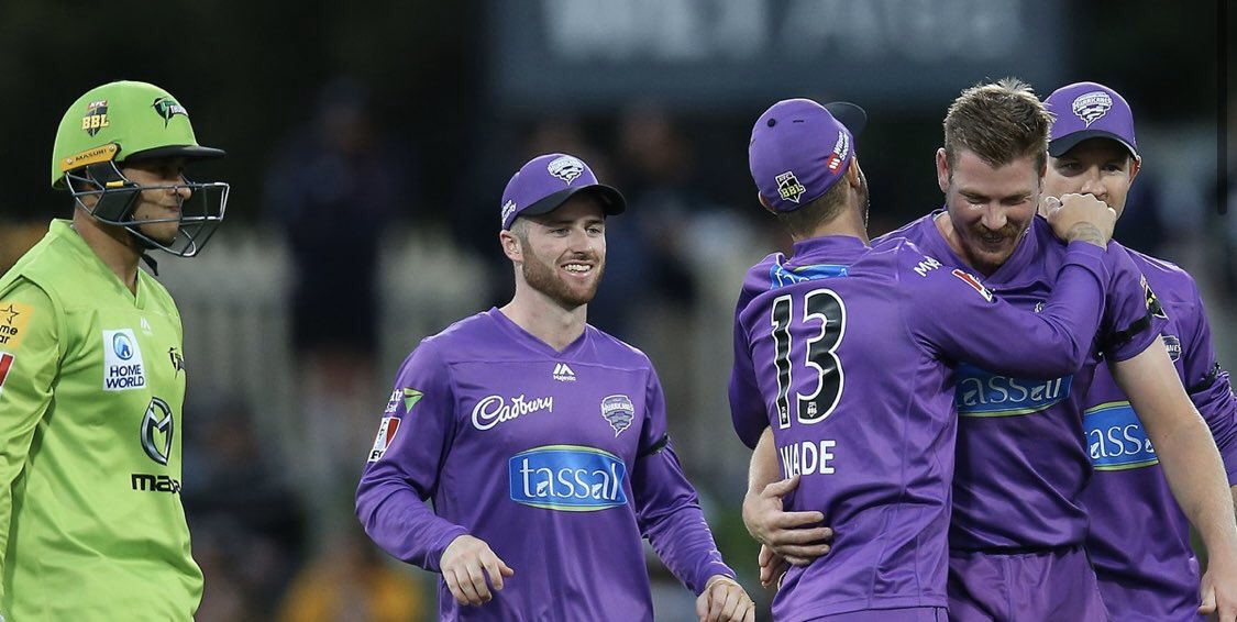 Here's the link for the @BBL eliminator commentary. 👉 bbc.com/sport/live/cri… #bbccricket #BBL09