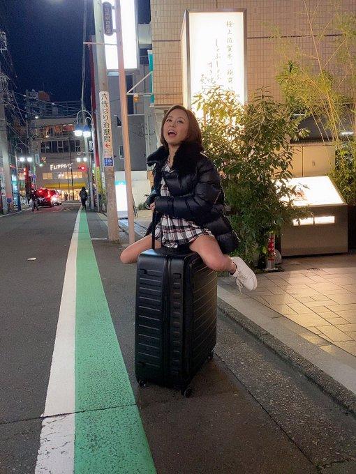 AV女優神谷充希のTwitter自撮りエロ画像3