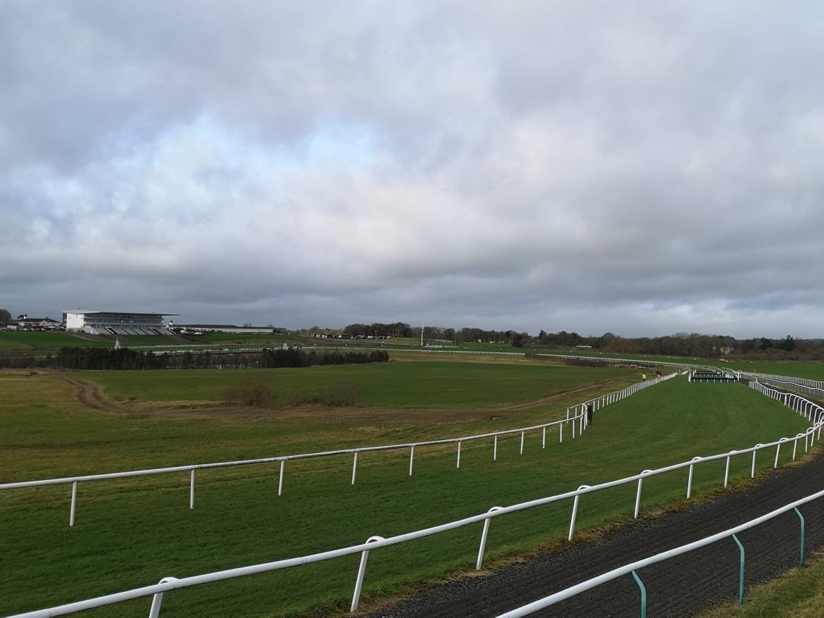 test Twitter Media - Dramatic skies before the first race @LimerickRaces today #ComeRacing https://t.co/dULfkyHFYF