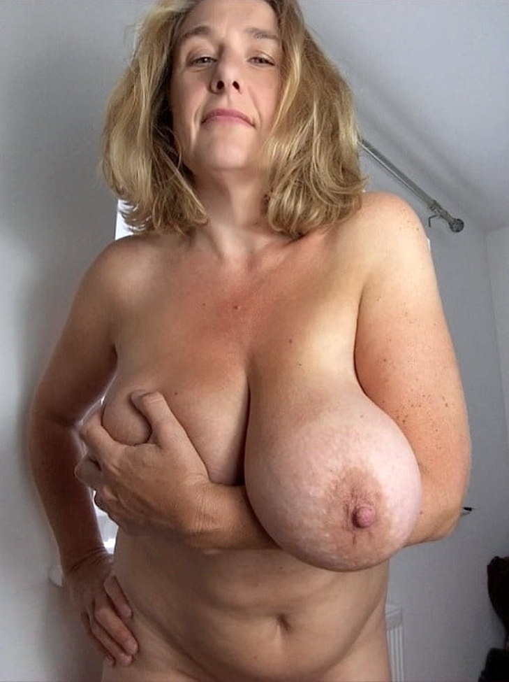 Old Women Saggy Tits Pics