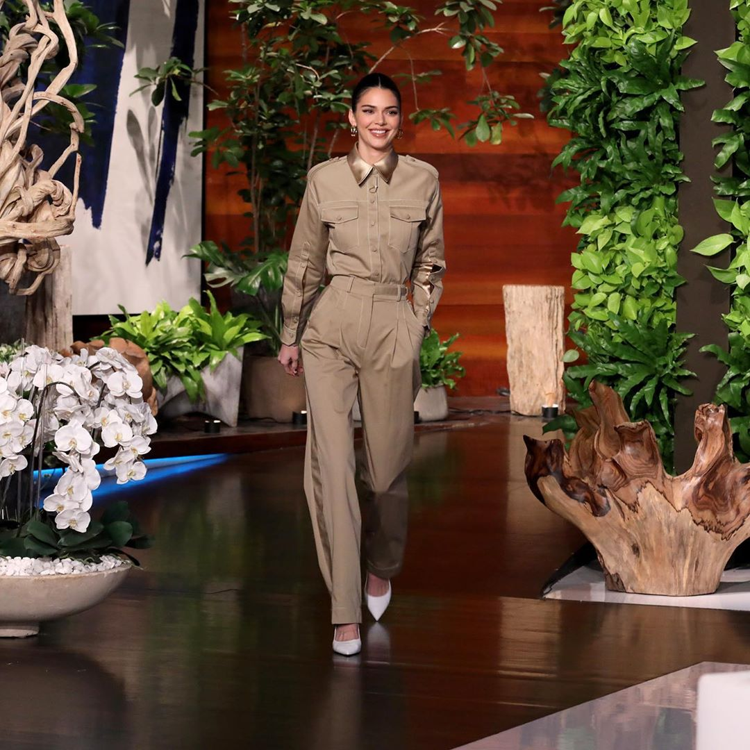 Everyone tune in to watch @kendalljenner on @theellenshow today at 3pm!