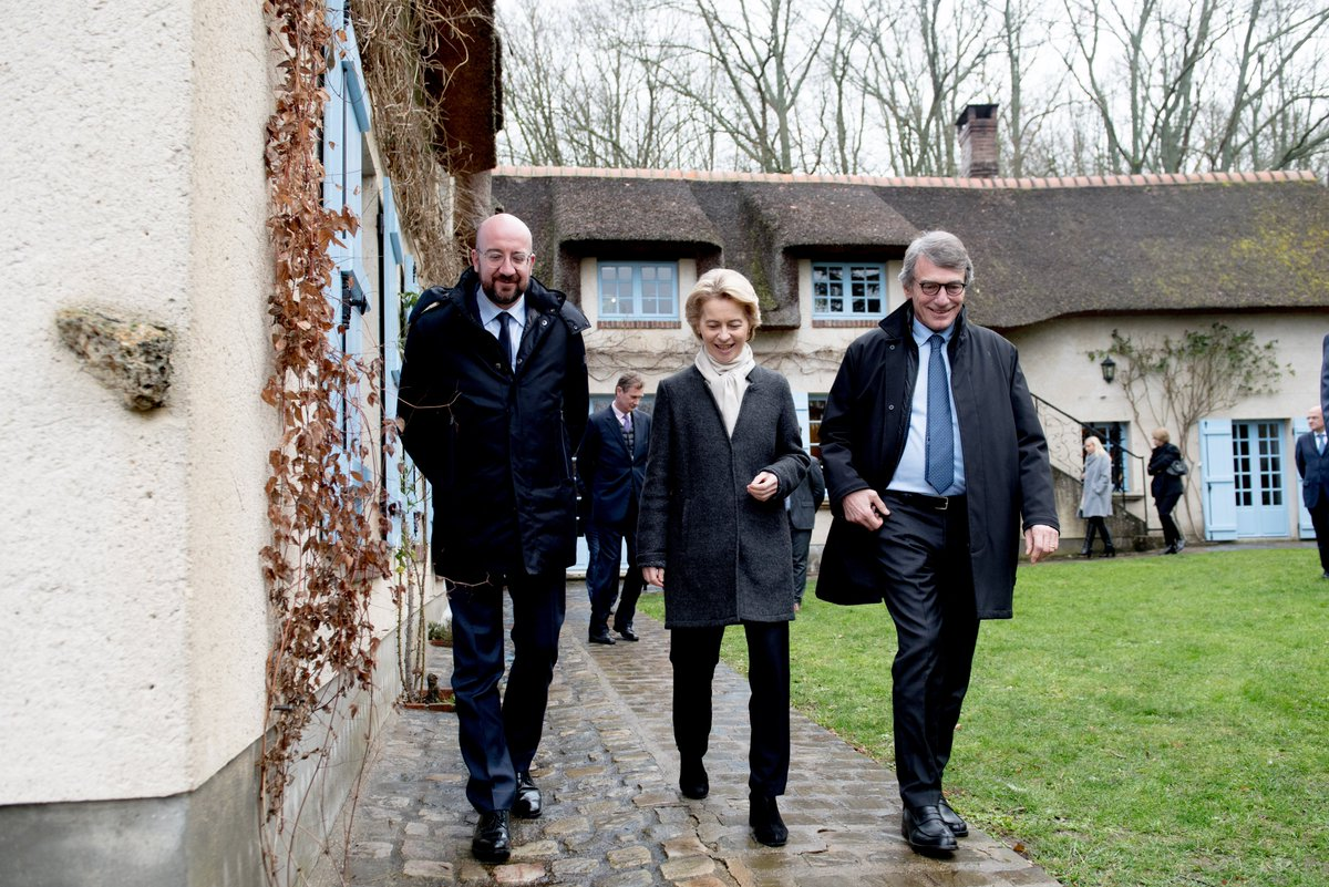 During today's Presidents retreat with @eucopresident Charles Michel and @EP_President David Sassoli we discuss current geopolitical challenges, climate & digital transition. Is there a better place to prepare the future of 🇪🇺than in the House of #EU pioneer, Jean Monnet?